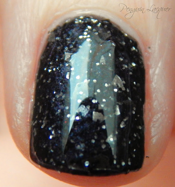p2 color trend polish 070 black glitter zweites makro