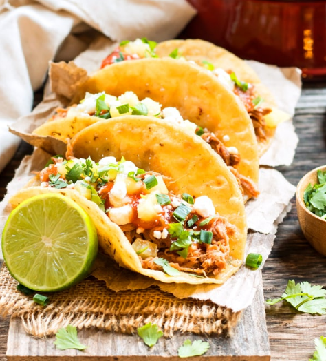 SLOW COOKER PINEAPPLE PULLED PORK TACOS #pineapple #dinner