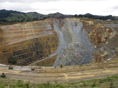 Mina de oro abierta en el centro de Waihi, Nueva Zelanda