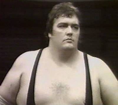 King Kong Bundy with hair.   STRENGTHFIGHTER.COM