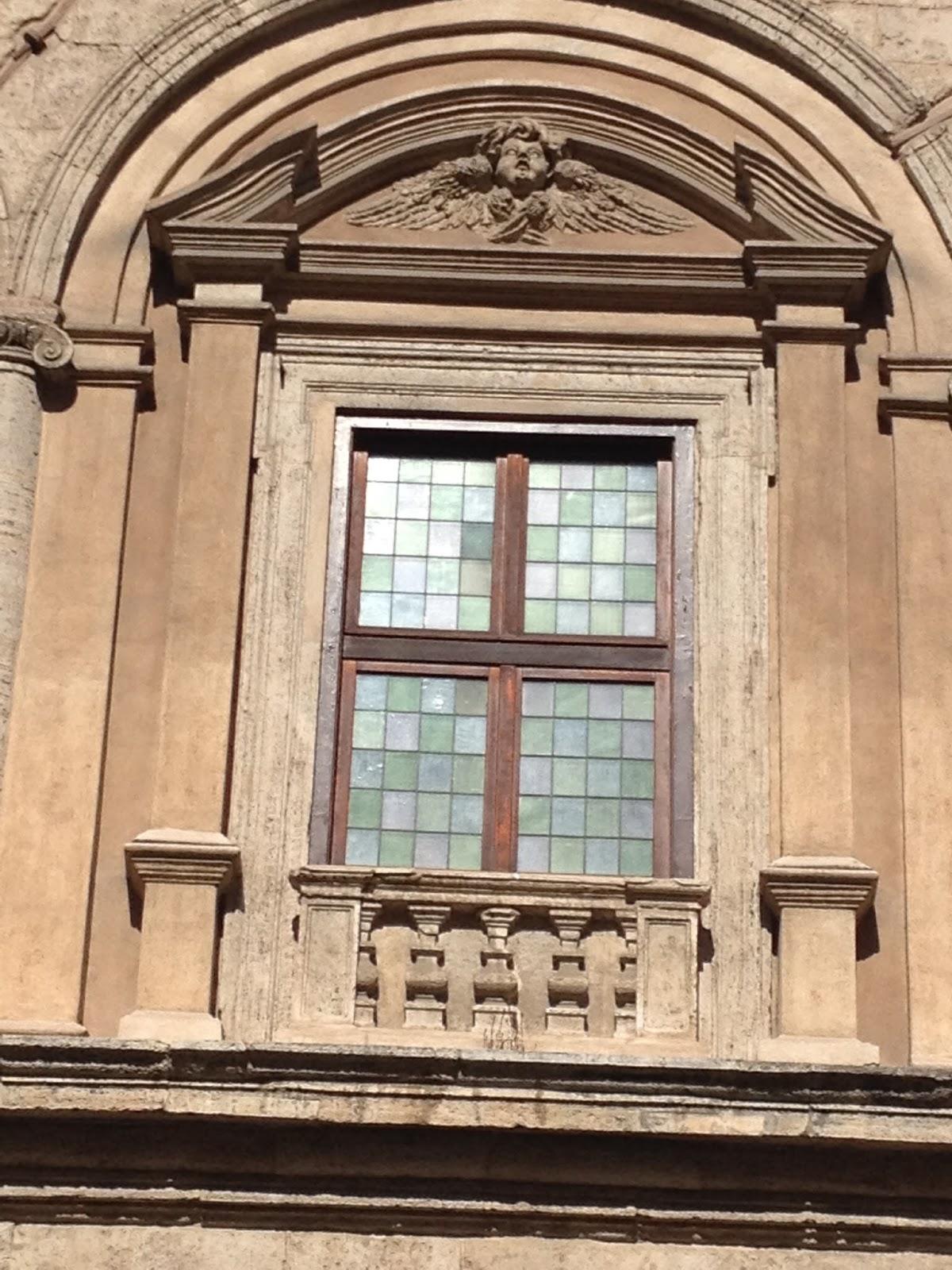 In bici per roma le pi belle finestre di roma6 - Le finestre roma ...