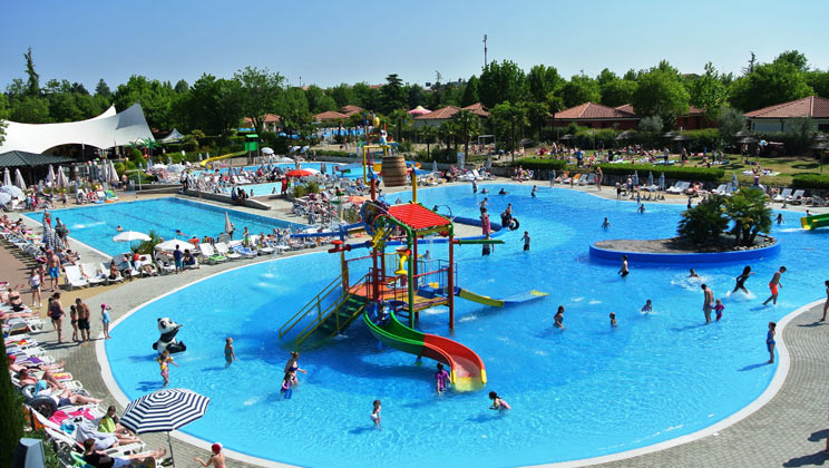 Holiday inspiration for May half term 2019 | Eurocamp's five best-selling parks - Bella Italia Pool Complex