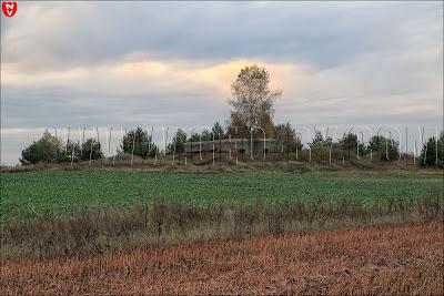 Полукапонир №19. Снимок со стороны деревни Выня