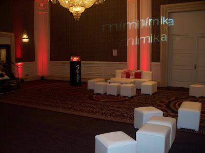 decoracion eventos empresariales,imitacion de productos cosmeticos, gigantismo de productos, talla en telgopor