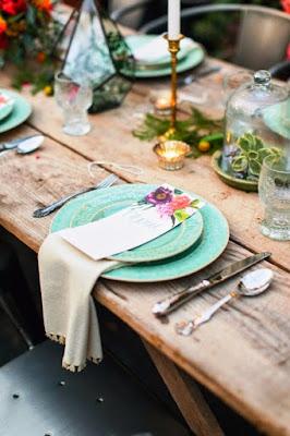 Decorar la mesa con un estilo floral y elegante