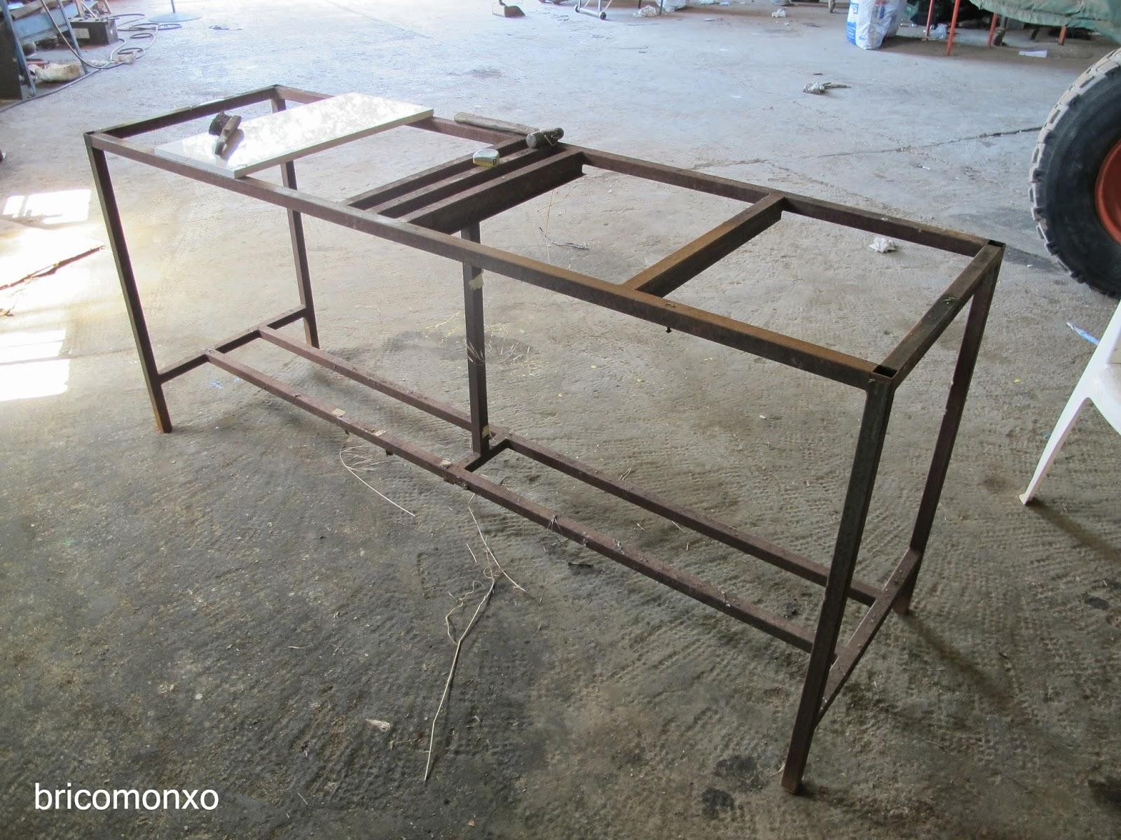 Bricomonxo mesa estructura met lica y piedras de m rmol - Estructura metalica mesa ...
