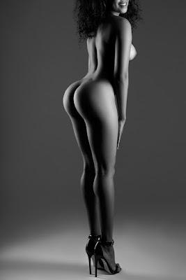 extremo mujer desnudo cerca de Leganés