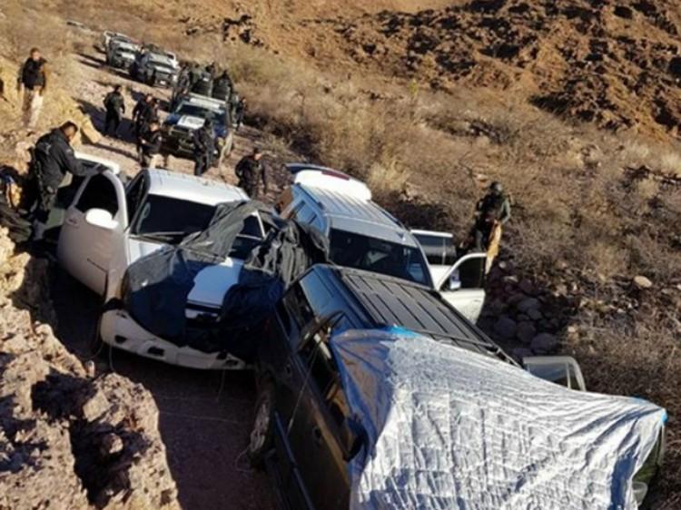 Aseguran a  sicarios vehículos camuflados bajo lonas en la zona rural de Monclova, Coahuila