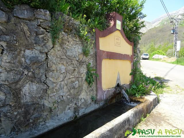 Fuente en Aciera
