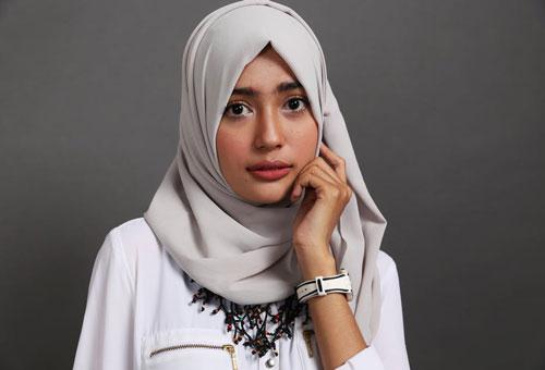 Kiat kiat sederhana mengenakan hijab