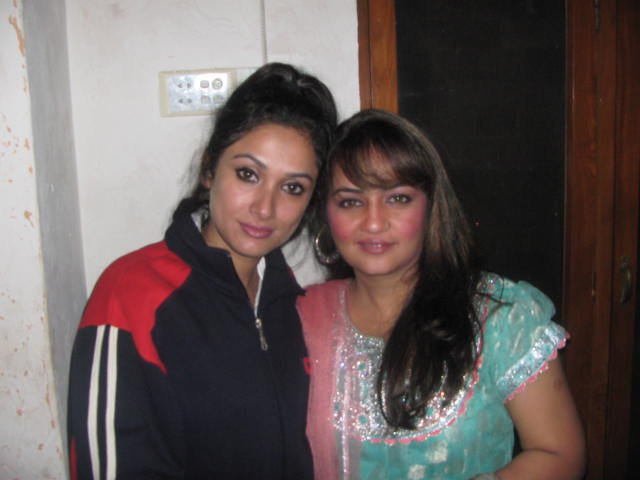 Rukhsar Memon with co-actress