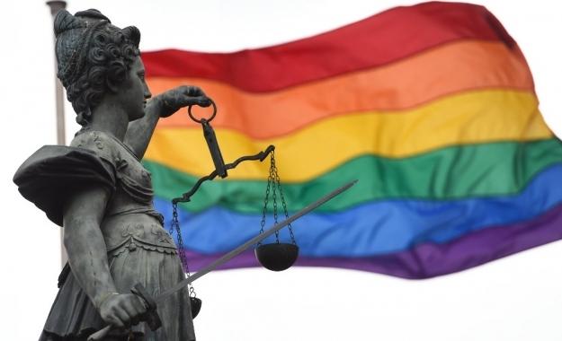 Η Γερμανία ψηφίζει σήμερα για τη νομιμοποίηση του γάμου μεταξύ ομοφυλοφίλων