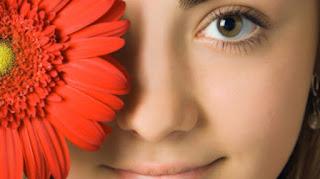 Cara Alami Menjernihkan Mata