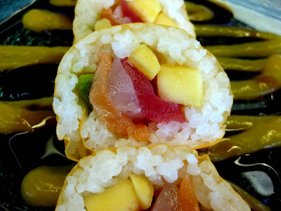 Hawaiian Roll at Wicker Park Seafood & Sushi Park at O'Hare International Airport (ORD) in Chicago, IL - Photo by Michelle Judd of Taste As You Go
