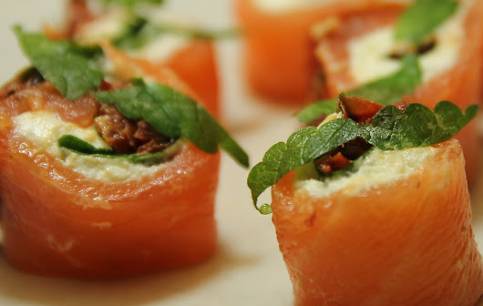 Smoked salmon roulade with fromage de brebis and oven-dried tomatoes Gluten-free
