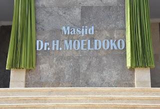 tulisan masjid Dr H Moeldoko