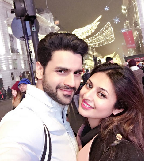 Foto Divyanka Tripathi dengan suami Via Instagram