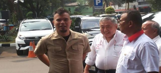 Ahmad Dhani mendatangi Polda Metro Jaya untuk Menemui Kapolda