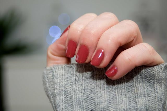 Semilac czerwony lakier hybrydowy