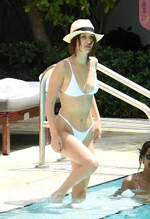 Bella Hadidi Milky white Super sexy Wet Body Huge nude tits ass in swimming pool in bikini 28th April 2017