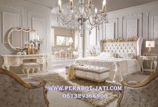 Set Kamar Tidur Royal