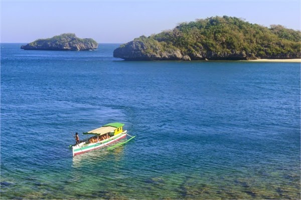 Hundred islands boat service to travel