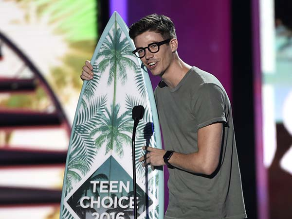 Teen-Choice-Awards-2017-Warner-Channel