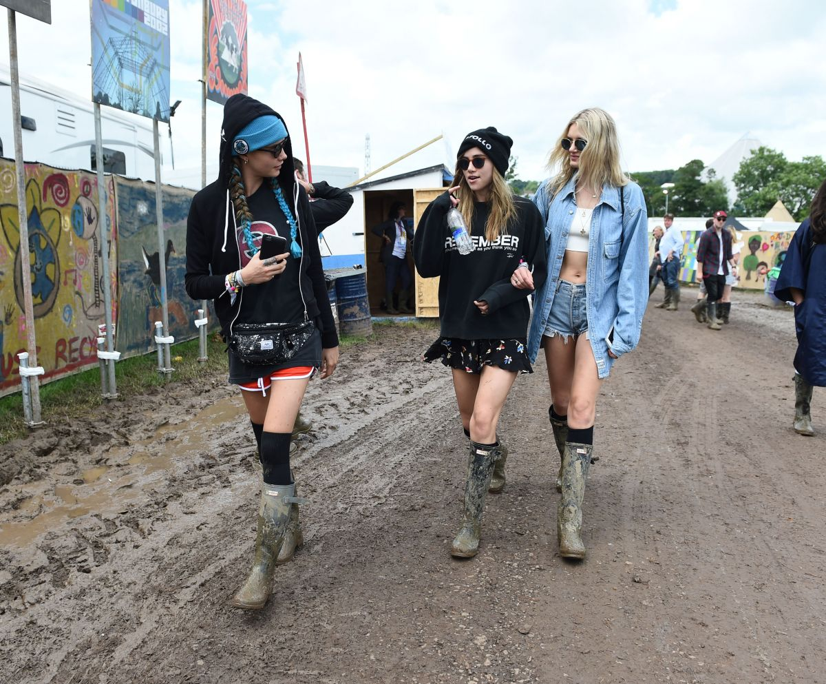 Cara Delevingne, Suki Waterhouse & Lily Donaldson at Glastonbury 2016