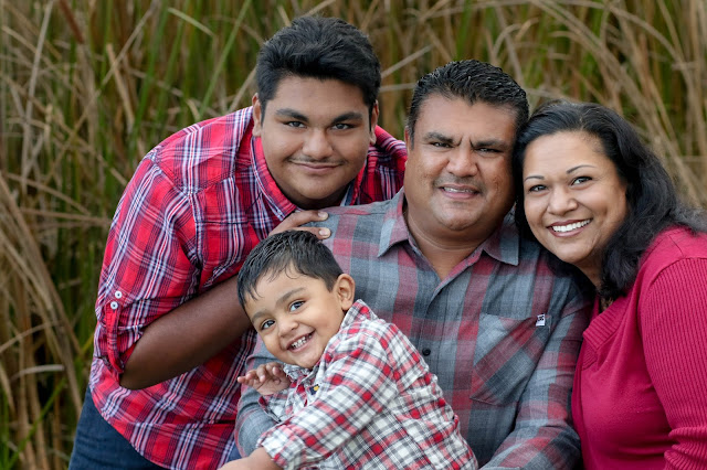 Family portraits in Elk Grove California by Elk Grove California Photographer, Family photography and family photographer Elk Grove California.