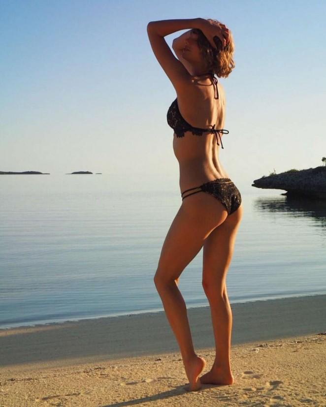 Taylor Swift in Bikini – Instagram