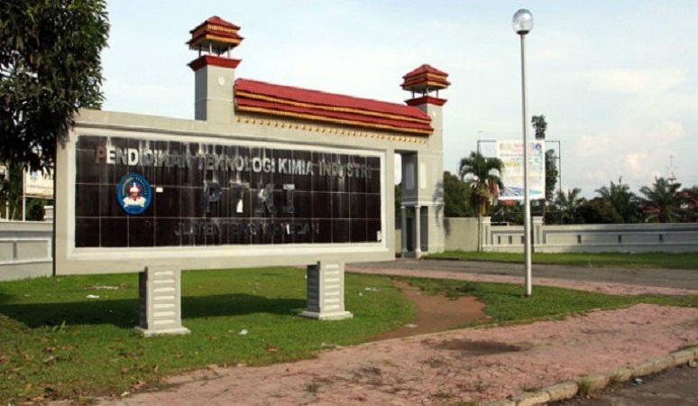 PENERIMAAN MAHASISWA BARU (PTKI) POLITEKNIK TEKNOLOGI KIMIA INDUSTRI