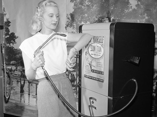 Suntan vending machine, 1949