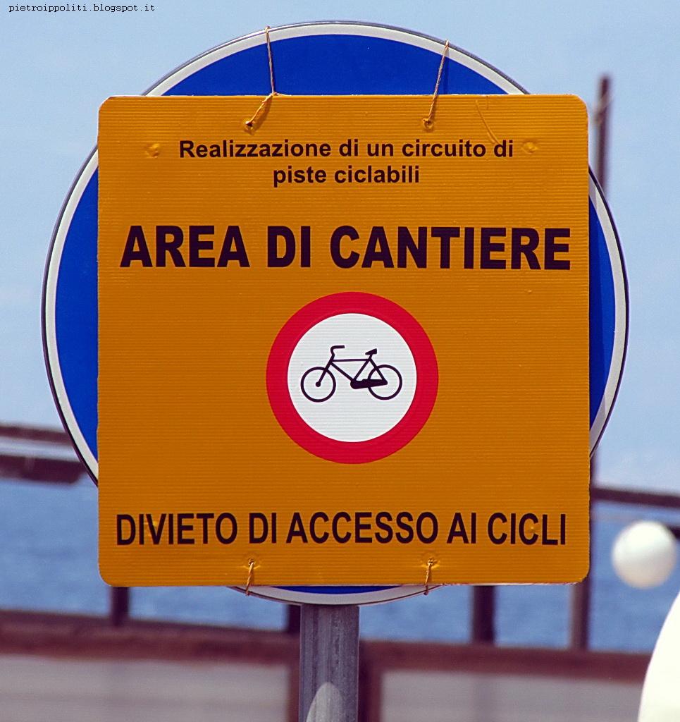 Pista ciclabile di RC con divieto di accesso ai cicli