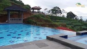 kolam renang villa tania
