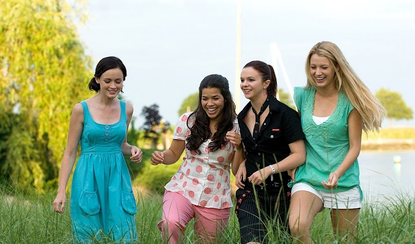 "The Star of ""The Sisterhood of the Traveling Pants"" Welcomes First Child"