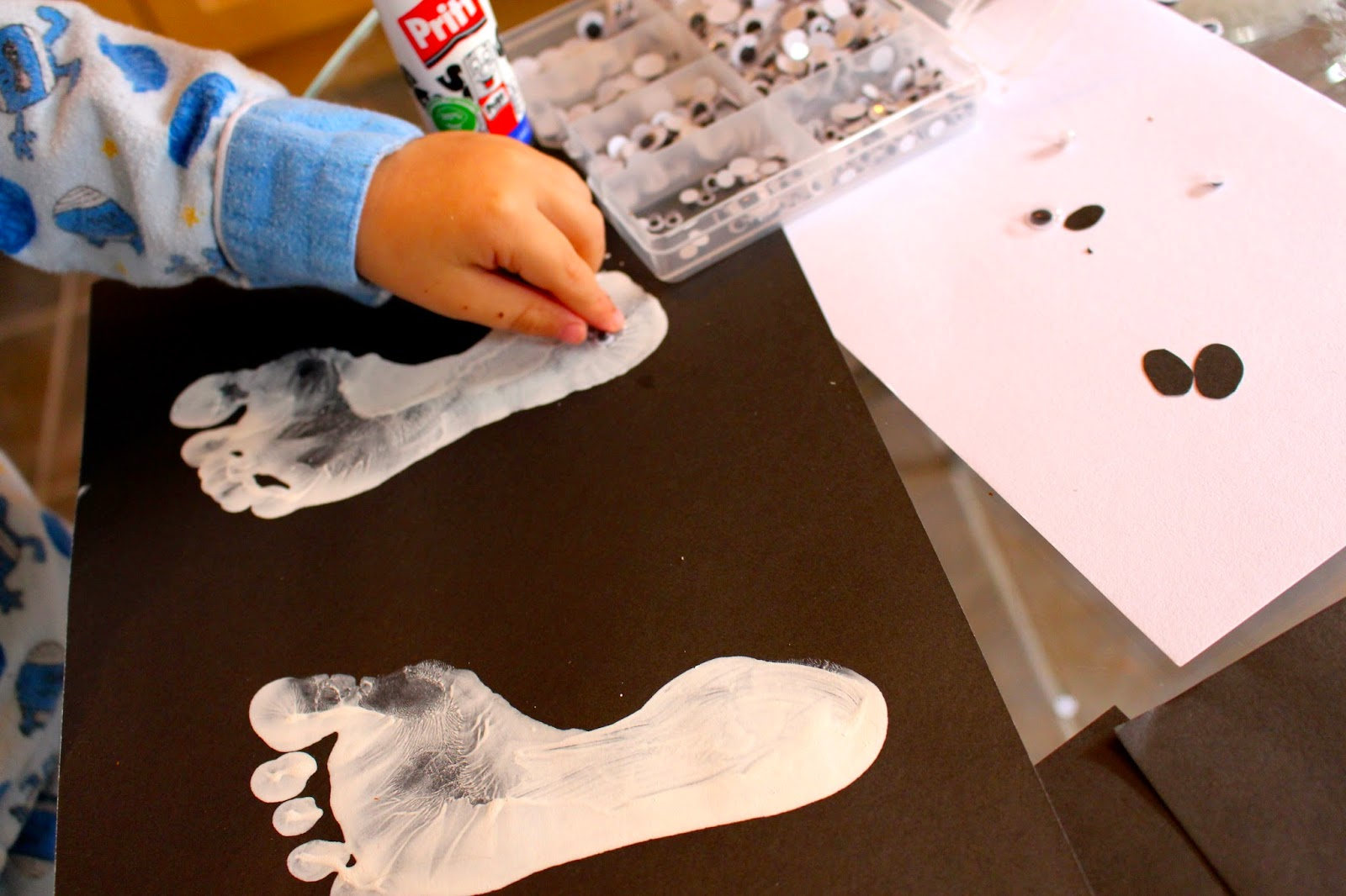 halloween footprint art for kids: ghost
