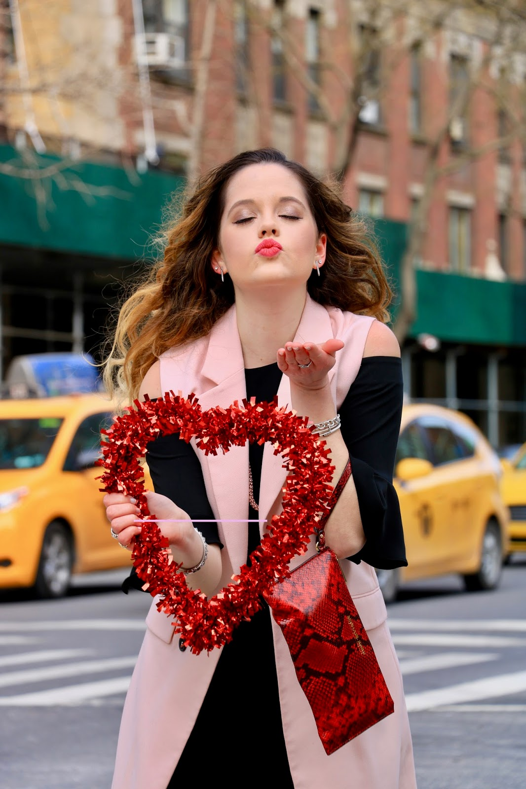 Nyc fashion blogger Kathleen Harper's Valentine's Day makeup ideas