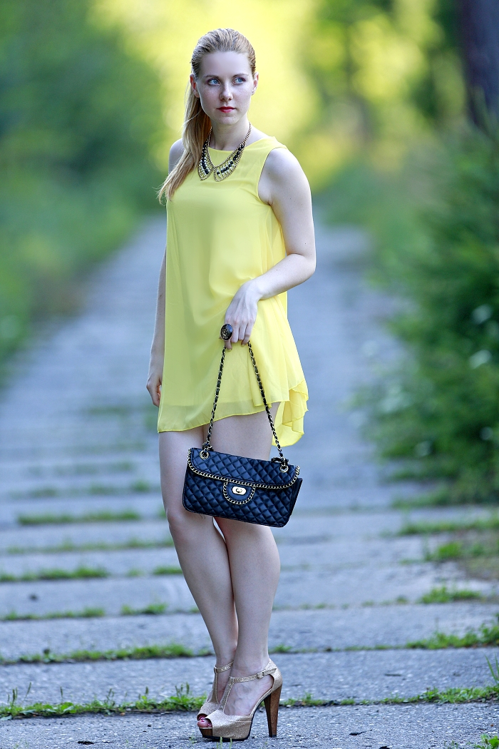 lucie srbová, blogerka, yellow sleeveless dress, chicnova
