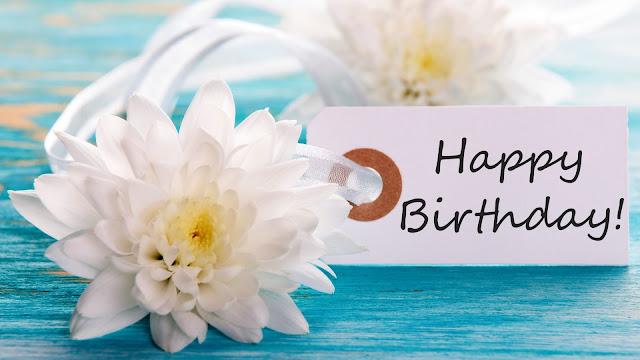 Postal de Cumpleaños con una flor