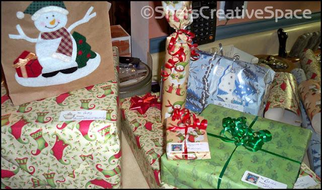 https://4.bp.blogspot.com/-DjP4Lp9938o/V3_Lg1TQfsI/AAAAAAAANBM/B_klQ4KwLTwJO6NXrR7lLLT22_aC3kdbgCLcB/s640/making_gifts.jpg