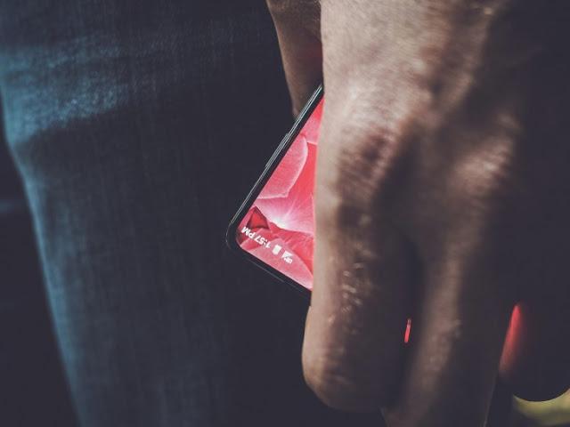 Andy Rubin Essential smartphone have Detachable Camera