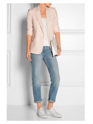 Пастельный розовый жакет с джинсами бойфрендами