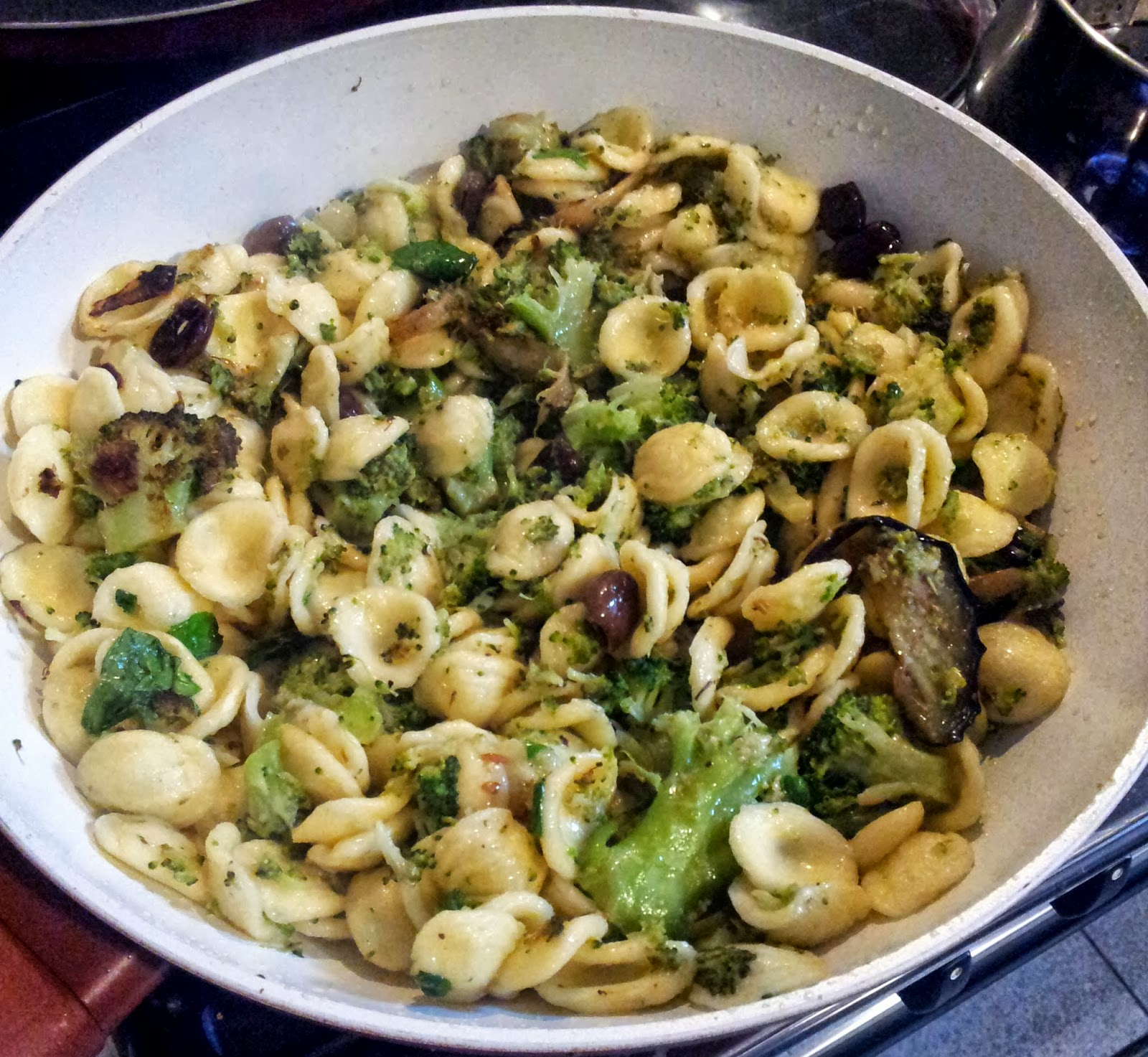 Cucinare per amore naturalmente orecchiette con for Cucinare broccoli