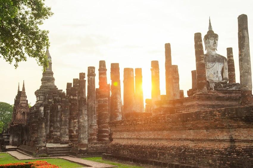 Yoga, budismo y aventura en la propuesta de la India para atraer más turismo.