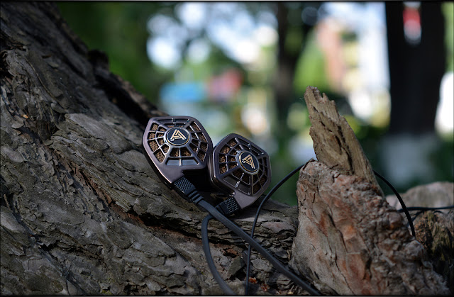 Magical Warmth - Audeze iSine 20 Planar IEMs Review