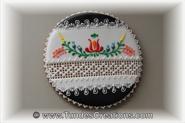 Hungarian folk art flowers cookie by Tunde Dugantsi