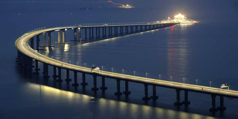 6 years of planning research, 9 years of design and construction. The Hong Kong-Zhuhai-Macao Bridge will promote the integration and development of the three places.