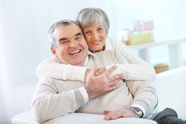 la felicidad en adultos mayores los hace saludables