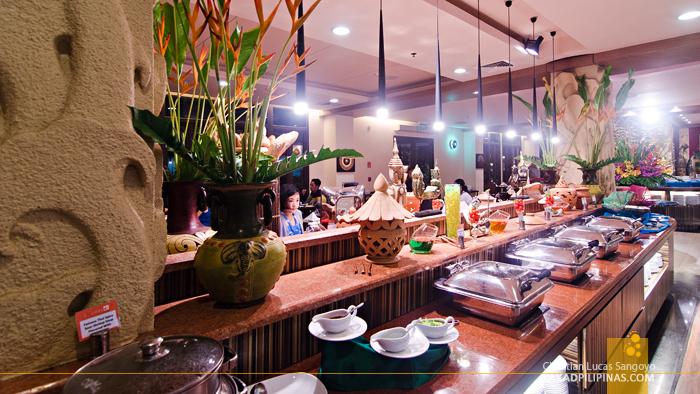 Novotel Phuket Vintage Park Resort Restaurant