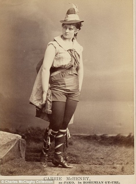Vintage Burlesque Photos From The 1890s Vintage Everyday